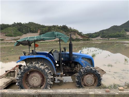"""拖拉机联合收割机""""无牌无证""""驾驶人员注意,吉林省农机安全三年整治方案出炉"""
