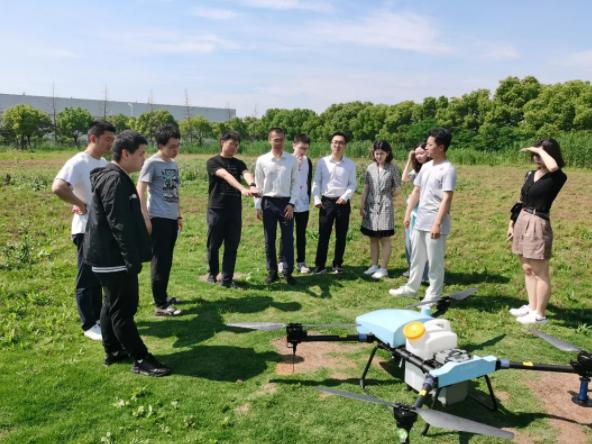 极目机器人与北京大学元培学院开启战略合作