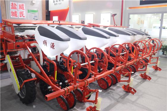 海南省对深松机、水稻插秧机、秸秆粉碎还田机等机具实施累加补贴